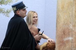 FEMEN-Aktivistin im Vatikan