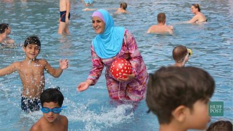 Kopftuch im Schwimmbad