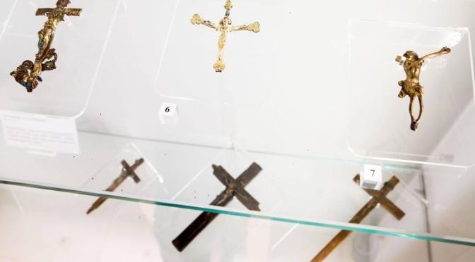 Unter dem Kreuz?