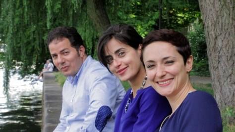 Nazan Gökdemir (rechts) und Hamed Abdel-Samad mit Sineb El Masrar, Publizistin und Autorin.