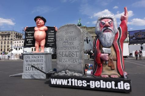 Luther nackt - Du sollst deinen Kirchentag selber bezahlen