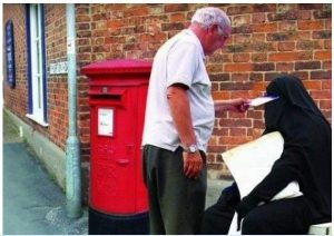 Briefkasten-Burka Verwechslung