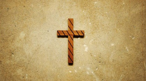 Christliches Kreuz in einer Schule