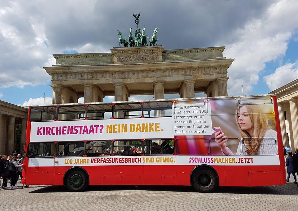 Bilder vom Start der Säkularen #Buskampagne 2019 in Berlin