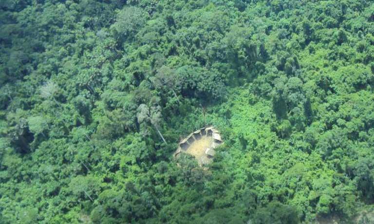 isoliertes Dorf im Wald 2011